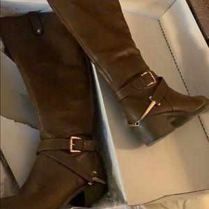 Brown calf-high riding boots